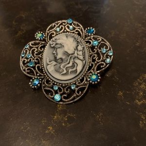 Brooch costume jewelry beautifully detailed